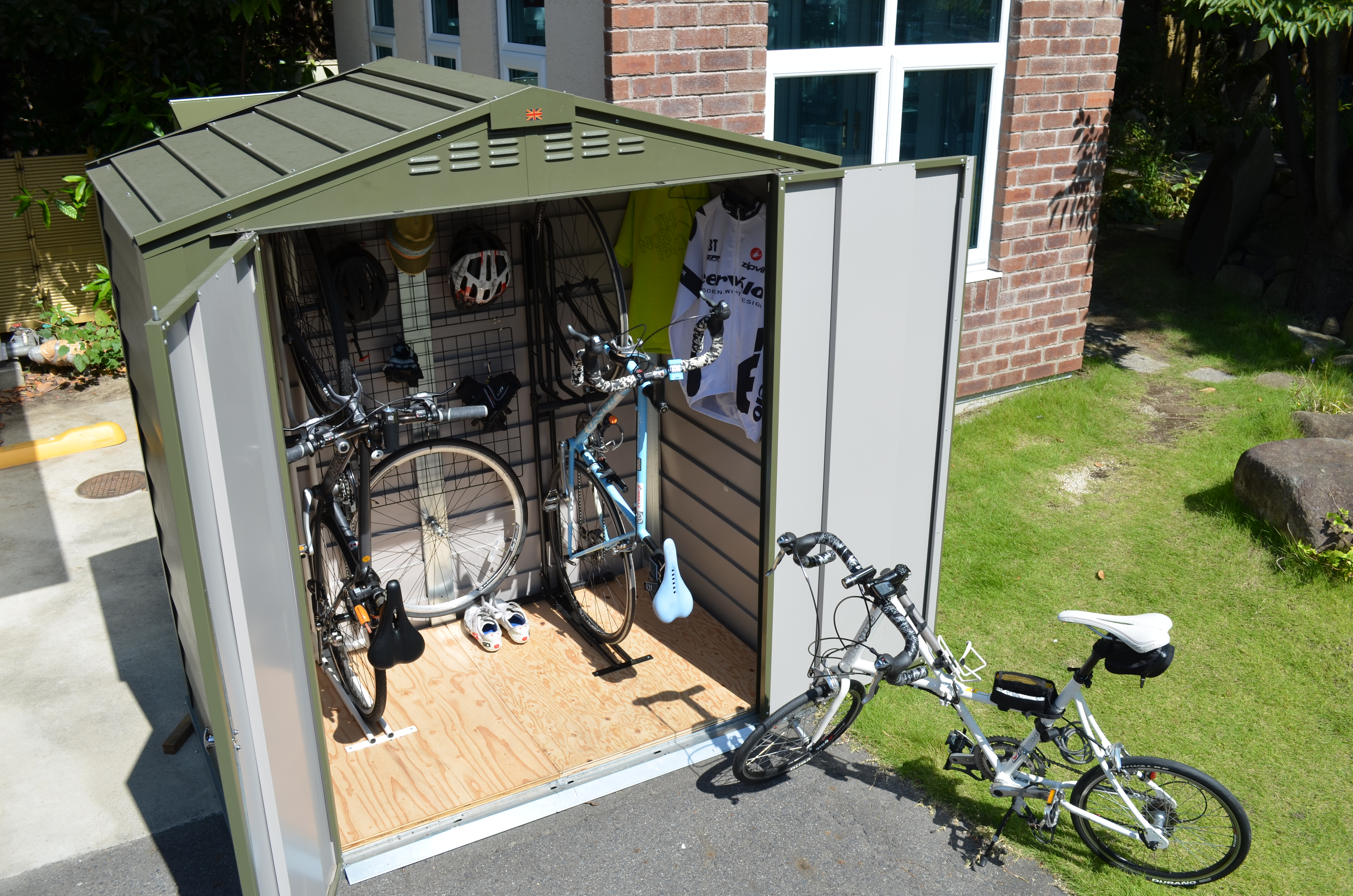 Bicycle storage shed for gardens